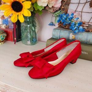 Vintage RARE Leon Unatin Red Silk Kitten Heels